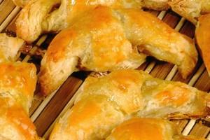 Croissants à la mortadelle